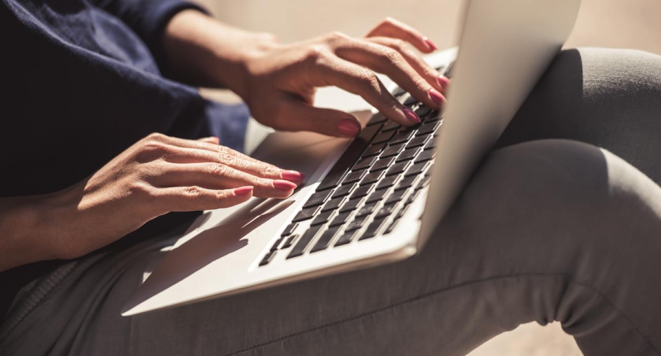 Online Öğrenme, Gelişime ve Kariyer Olanaklarına Nasıl Fayda Sağlar?